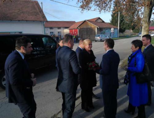 Predsjednica Republike posjetila Vrginmost